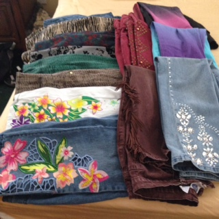 What a great time I had sorting all my size 10 and 12 Diane Gilman designer jeans to give away. Now size 6 and 8, PXS! Thank you Changetime!